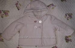 Куртка весна 6-9 міс. ,на зріст 74 см. ,до 9. 5 кг. Легка , зручна і тепла .
