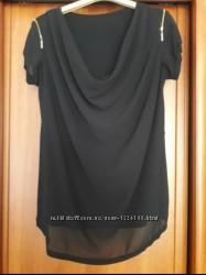 Стильна блузка чорного кольору . Розмір S- M .