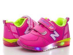 Распродажа детские кроссовки  светятся при ходьбе 21,22,23,24,25,26 р