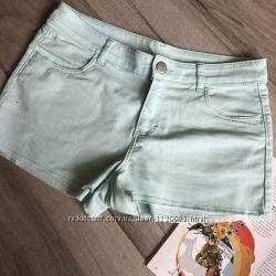 Нежно-голубые короткие шорты H&M