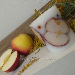 Стильные, яблочные свечи с дольками яблок и ягодками