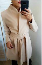 Стильное пальто ажур нежного цвета