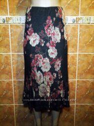 Трикотажная миди юбка годе в цветочный принт