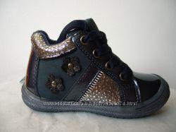 Ортопедические демисезонные кожаные ботинки для девочек
