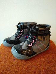 Демисезонные кожаные ботинки для девочек