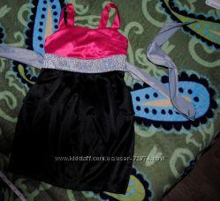 Атласное нарядное платье на 4-7 лет.