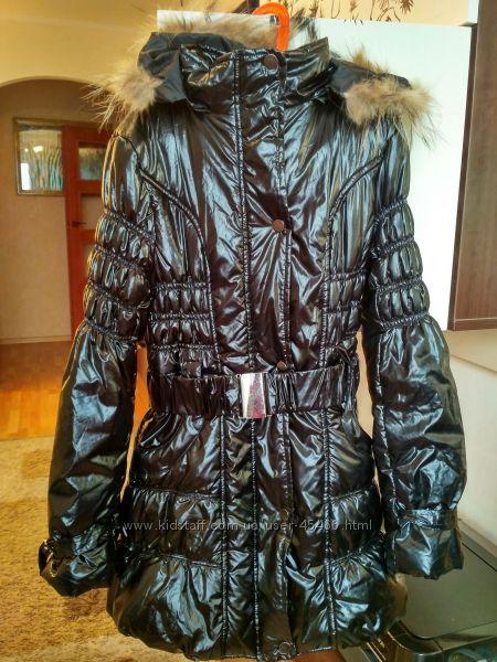 Классная удлиненная демисезонная куртка c капюшоном размер L