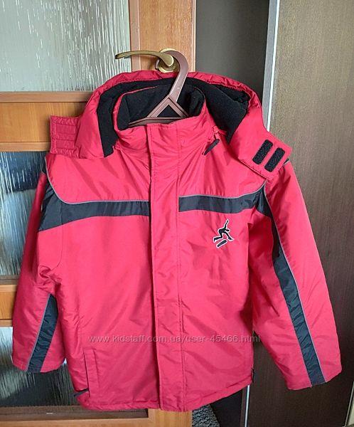 Отличная зимняя куртка Here There на мальчика, р. 158