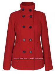 Яркое стильное пальто на осень TROLL