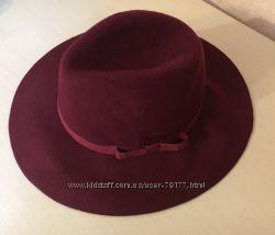 Стильная  шляпа stradivarius.  цвет винный бордо