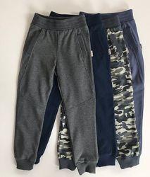 128р  Спортивные брюки для мальчика ТМ Робинзон