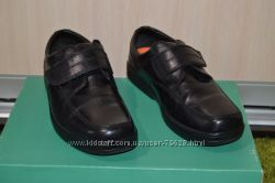 Marks&Spencer шикарные кожаные туфли на широкую ногу