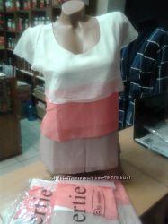 Блузы и футболки женские