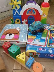 Іграшки рощвиваючі фірмові набір