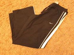 Спортивные штаны американского бренда Nike