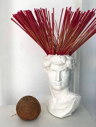 Декор-скульптура в виде головы Давида