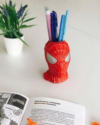 Декор-скульптура в виде головы Спайдермена, с функциональным отверстием.