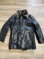 Продам шкіряну курточку зимову Armani