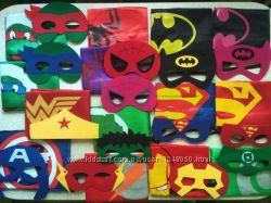 Плащ и маска супергероя