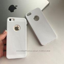 Силиконовый чехол под кожу с вырезом на iPhone 55S