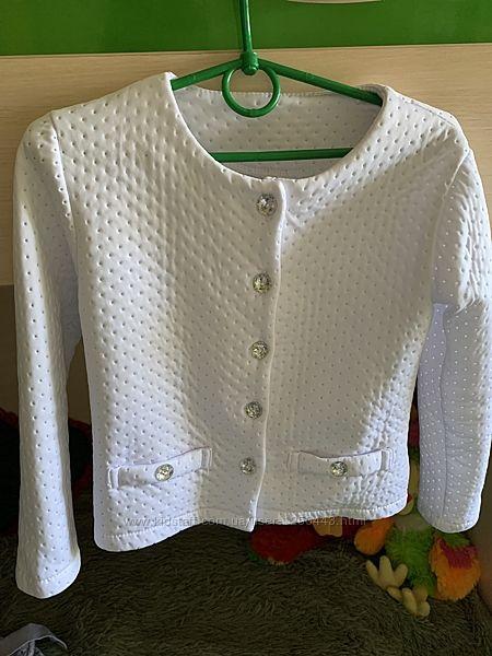 Белый пиджак в идеальном состоянии, Польша