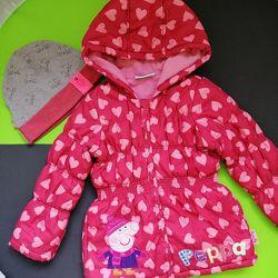 Куртка Peppa pig размер 4Т шапочка
