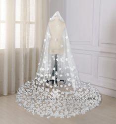 Фата свадебная белая шлейф