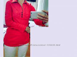 Блуза красная с черным поясом. Ткань растягивается. М