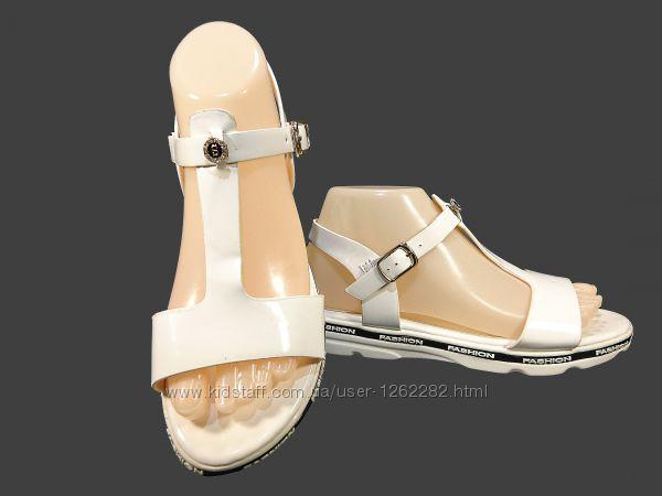 Босоножки сандалии женские на танкетке, белые, пенка. Размер 35-40.