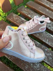 Модные ботинки девочкам