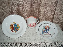 Винтаж детская посуда трио фарфор тарелка чашка деколь клеймо