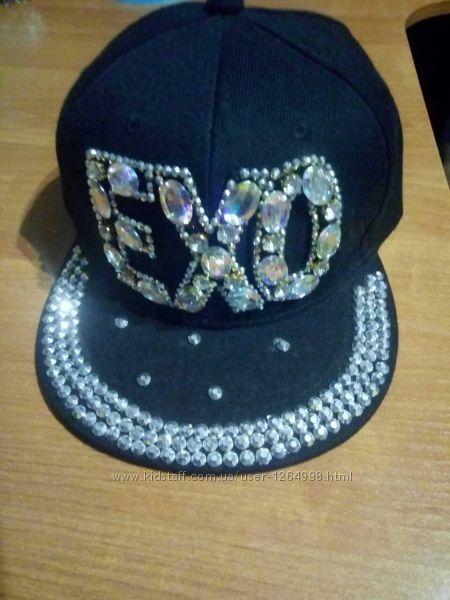 Модная кепка арбузка EXO с камнями