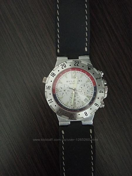 Швейцарские мужские часы.