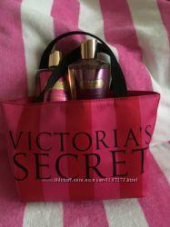 Новая мини-сумка для косметики Victoria&acutes Secret оригинал
