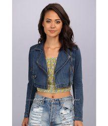 Новая джинсовая куртка Free people из сериала Милые обманщицы