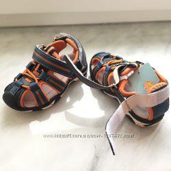 Новые летние кроссовки-сандалии TOM. M на липучках