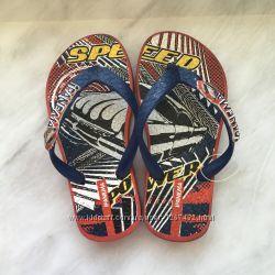 Новые пляжные сандали Rider и вьетнамки IPANEMA