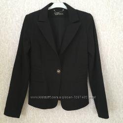 Школьный черный пиджак LOVE REPUBLIC