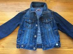 Котоновый пиджак и джинсы