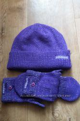 Шапка и митенки варюшки Adidas оригинальные фиолет с люрексом в идеальном