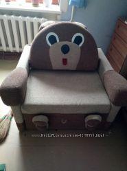 Красивый диванчик Мишка
