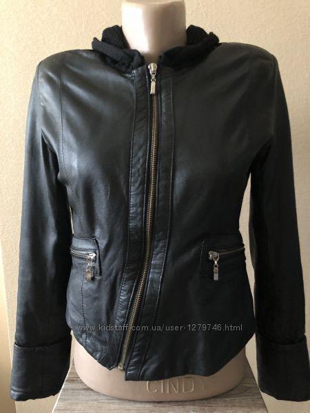 Куртка нат. кожа Турция черная разм. 36 на молнии демисезон