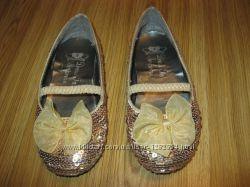 Недорого фирменная обувь по стелечке от  15-18 см.