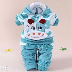 Красивый костюм для малыша