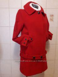 Эффектное, оригинальное, 70шерсти, яркое красное пальто Zara Basic, с пояс