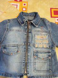 Курточка джинсовая на мальчика 6-9 мес
