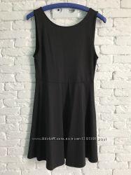 Элегантное платье с открытой спинкой Divided by H&M