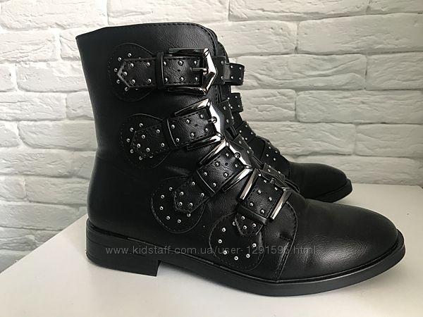 Стильные демисезонные женские ботинки
