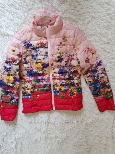 Невероятно красивая яркая стильная куртка деми на синтепоне от Softy Italy