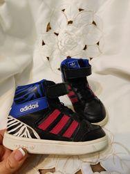Adidas Высокие кроссовки хайтопы ботинки детские из кожиоригинал Уни